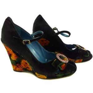 Via Spiga Size 6M Wedge Heels Velvet Black Multi
